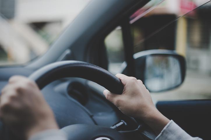 車検切れのまま走ると罰則対象?